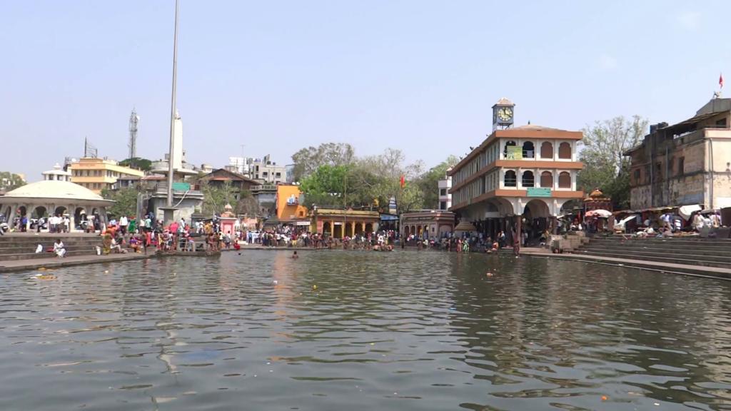 ram-kund-at-godavari-river-bank-nasik-maharashtra_xjgkv1yc__f0000