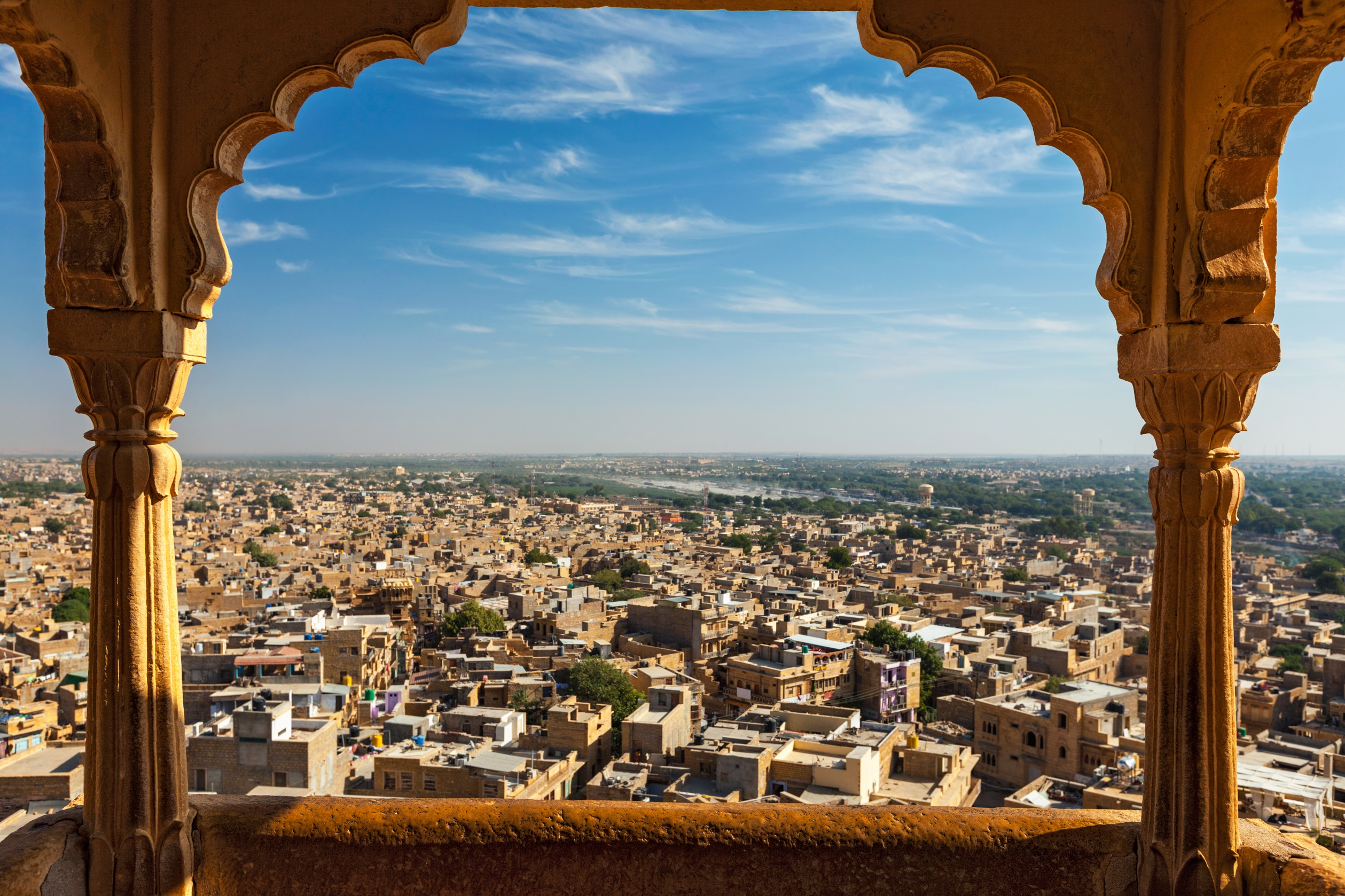 jaisalmer-city-from-jaisalmer-fort-through-arch